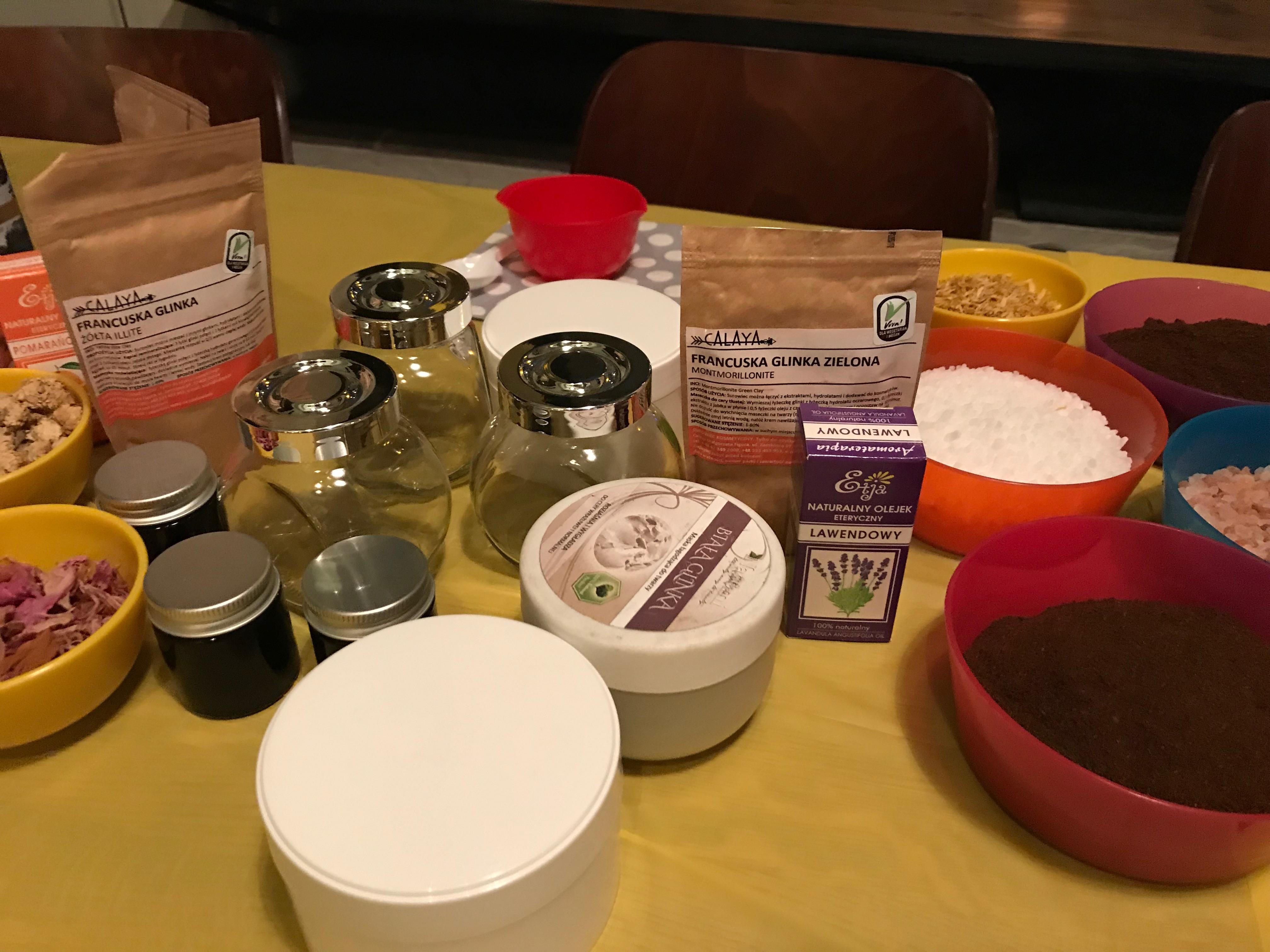 Jak urozmaicić wieczór panieński? Warsztaty tworzenia naturalnych kosmetyków – znów jesteśmy w Warszawie